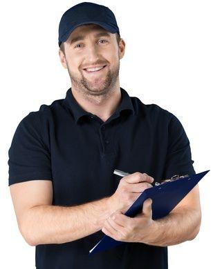 Freundlicher Service-Mitarbeiter